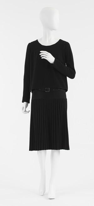 coco-chanel-little-black-dress-7rm0sges-e1392366842275